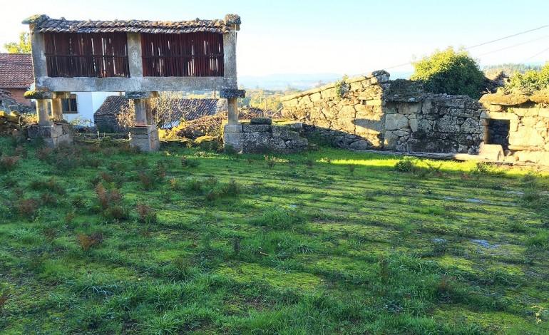 Cabaceiro e eira da Casa Grande de Montes en Albeiros