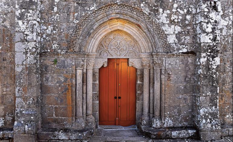 Porta da Igrexa de San Pedro de Trasalba
