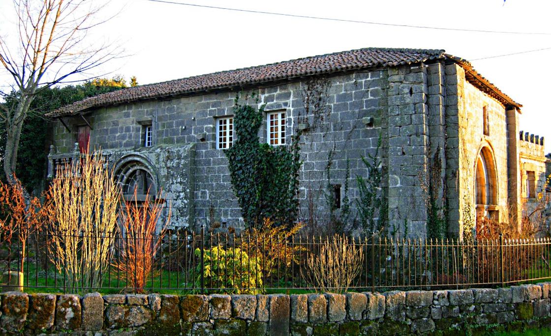 Priorato de San Miguel en Bóveda